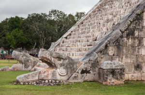 Serpent head stairway in El Castillo Pyramid Chichén Itzá.